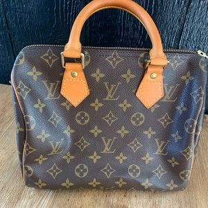 SOLD IN FACEBOOK❗️LV Authentic Speedy 25 Pre Loved